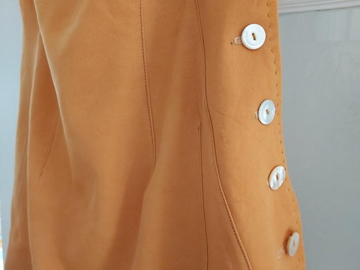 jumper buttons